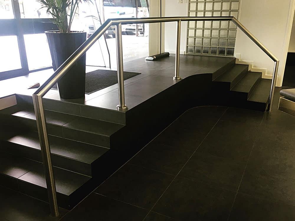 stainless-steel-balustrade-black-steps